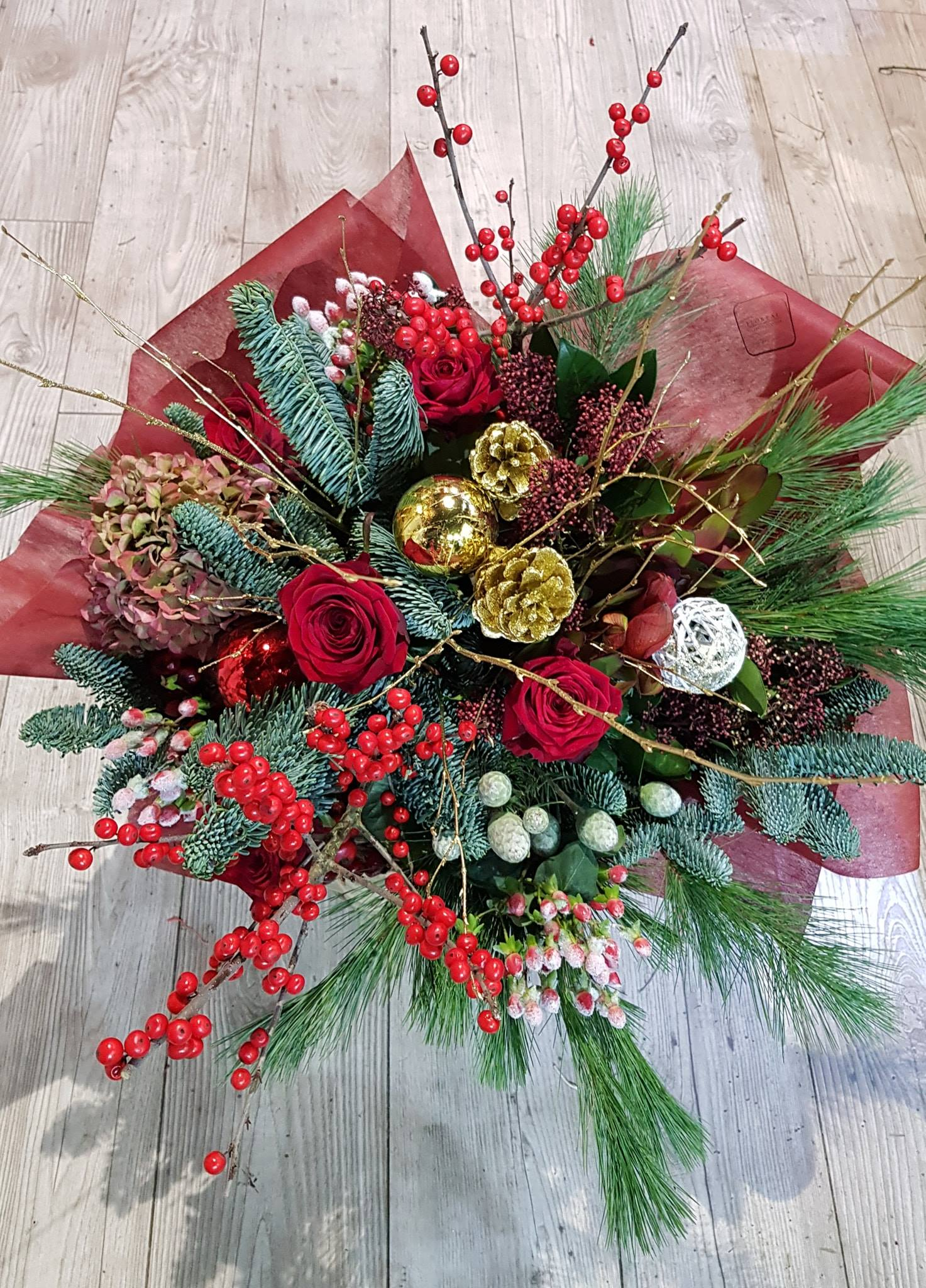 christmas flowers arrangement